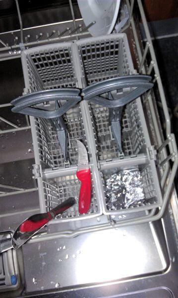 opvaskemaskinen lækker vand